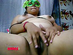 Velamma Bhabhi South Indian Amateur MILF Masturbating