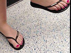 Candid Sexy Feet and Legs on the Tube
