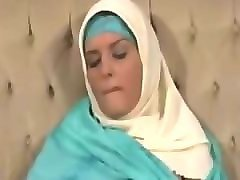 somali hijab girl stripping on webcam - târfe.ro
