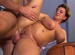 fat milf fucking in bath room