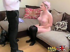 webcam milf with great tits masturbates