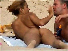 Voyeurs On The Beach L7